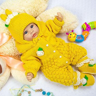 Товары для малышей ручной работы. Ярмарка Мастеров - ручная работа Комплект для новорожденной комбинезон,шапочка,пинетки. Handmade.