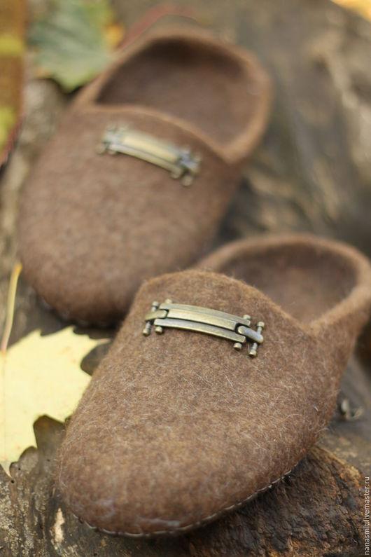 """Обувь ручной работы. Ярмарка Мастеров - ручная работа. Купить Тапочки валяные мужские """"Горький шоколад"""". Handmade. Серый, шерсть"""