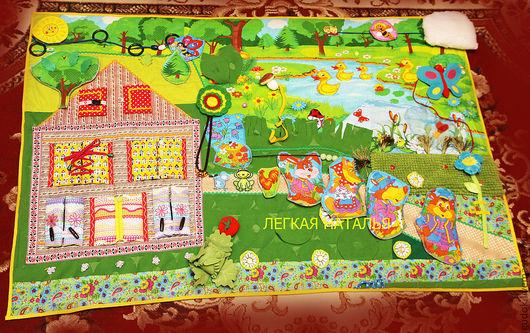 """Развивающие игрушки ручной работы. Ярмарка Мастеров - ручная работа. Купить Развивающий коврик по мотивам сказки """"Теремок"""". Handmade. флис"""