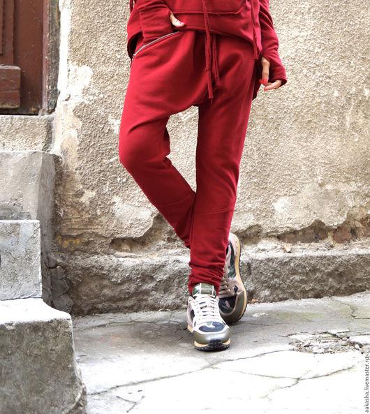 Брюки с мотней брюки бургунди  штаны спортивные стильные брюки штаны с мотней свободные брюки свободный стиль