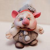 """Мягкие игрушки ручной работы. Ярмарка Мастеров - ручная работа Игрушки: Мышик в колпаке """"Снежинка прилипла"""". Handmade."""