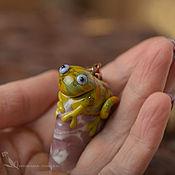 Кулон лэмпворк Хамелеон Захар хаки оливковый ящерка