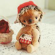 """Куклы и игрушки ручной работы. Ярмарка Мастеров - ручная работа """"Красная шапочка"""", ежик тедди. Handmade."""