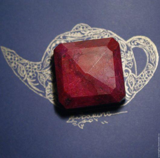 рубин, рубин натуральный, рубин природный, натуральные камни, рубин фото, крупный рубин натуральный, фотография рубина, рубин 554 карата