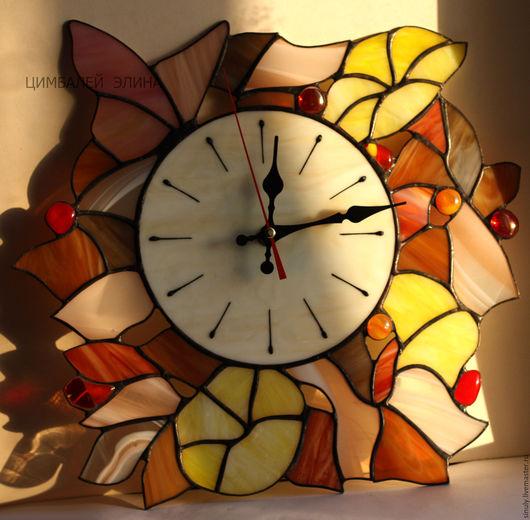 """Часы для дома ручной работы. Ярмарка Мастеров - ручная работа. Купить Витражные часы""""Осеннее настроение"""". Handmade. Часы, подарок, Витраж"""