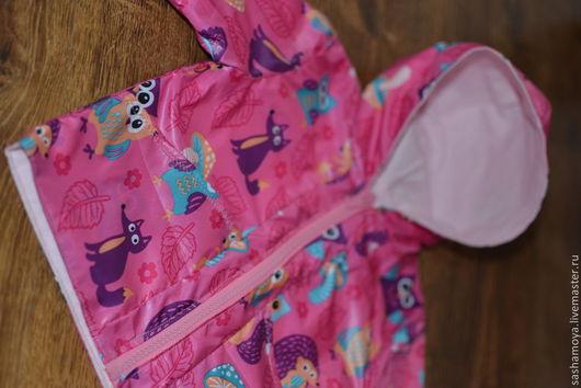 Одежда для девочек, ручной работы. Ярмарка Мастеров - ручная работа. Купить Яркая розовая ветровка для малышки с лесными зверятами. Handmade.
