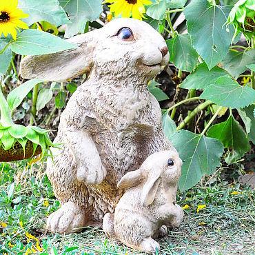 Для дома и интерьера ручной работы. Ярмарка Мастеров - ручная работа Зайчиха с зайчонком статуэтка из бетона Прованс декор для сада. Handmade.