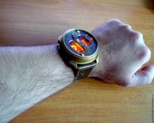 Стимпанк ручной работы. Ярмарка Мастеров - ручная работа. Купить Ламповые наручные часы в стиле стимпанк. Handmade. Комбинированный, nixie
