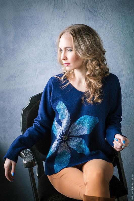 """Кофты и свитера ручной работы. Ярмарка Мастеров - ручная работа. Купить Нежный свитшот  """"Blue cafe"""". Handmade. Тёмно-синий"""