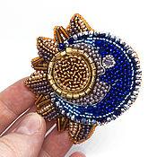 Брошь-булавка ручной работы. Ярмарка Мастеров - ручная работа Брошь-булавка: Брошь Луна Солнце Символ Луна Солнце. Handmade.