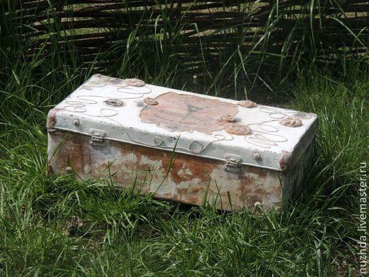 """ручной работы. Ярмарка Мастеров - ручная работа. Купить Интерьерный чемодан """"Парижанка"""". Handmade. Коричневый, интерьерный чемодан, советский чемодан"""