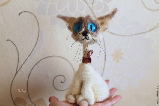 Игрушки животные, ручной работы. Ярмарка Мастеров - ручная работа. Купить Сиамский кот (Ну погладь меня..). Handmade.