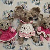 Мягкие игрушки ручной работы. Ярмарка Мастеров - ручная работа Мягкие игрушки:  вязаные мыши. Handmade.