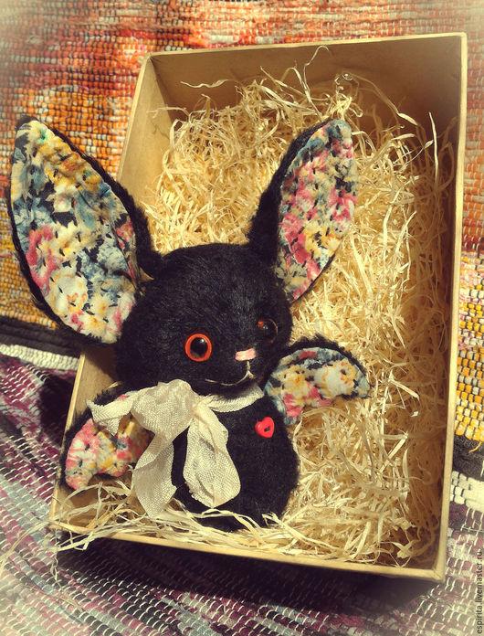 """Игрушки животные, ручной работы. Ярмарка Мастеров - ручная работа. Купить Летучая мышка """"Анис"""". Handmade. Черный, вискоза, мулине"""