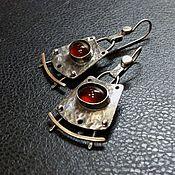 Украшения ручной работы. Ярмарка Мастеров - ручная работа Серьги с гранатом. (нейзильбер, серебро, латунь ). Handmade.
