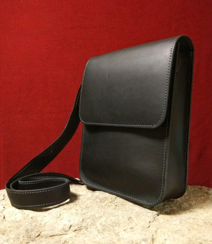 f796dbce05a3 Мужские сумки ручной работы. Ярмарка Мастеров - ручная работа. Купить  Кожаная черная сумка стильная ...