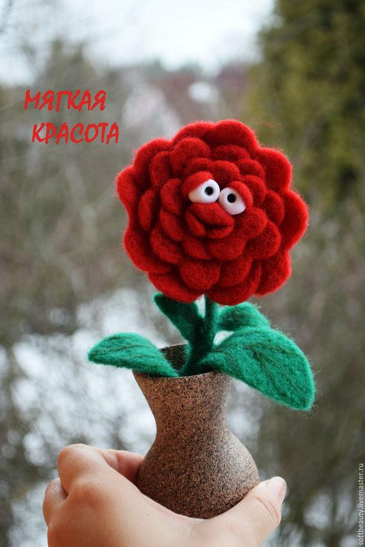 """Персональные подарки ручной работы. Ярмарка Мастеров - ручная работа. Купить Подарок на 8 марта игрушка войлочная цветок """"С любовью..  ."""". Handmade."""