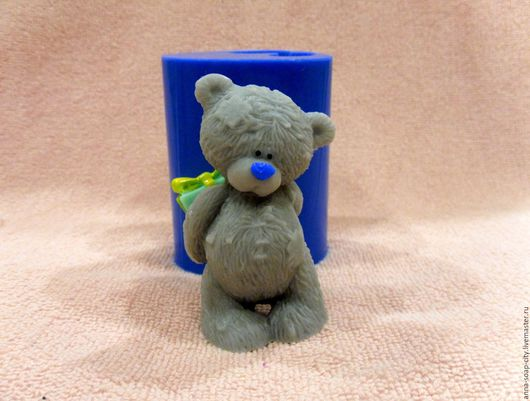 """Другие виды рукоделия ручной работы. Ярмарка Мастеров - ручная работа. Купить Силиконовая форма для мыла """"Мишка Тедди с подарком"""". Handmade."""