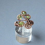 Украшения ручной работы. Ярмарка Мастеров - ручная работа Медное кольцо с перидотом (он же хризолит или оливин). Handmade.