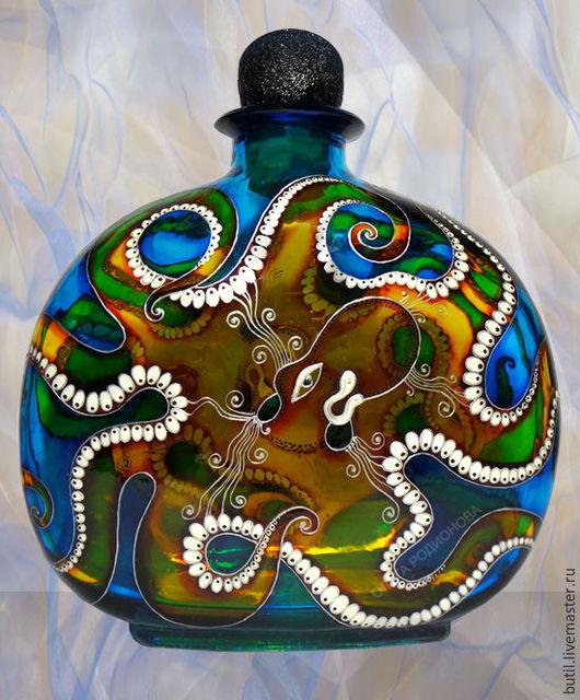 Бутылка с осьминогом - продолжение морской темы. С этой стороны осьминожка -девочка, наверное, она улыбается )))