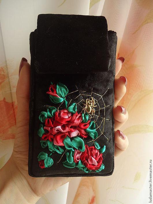 Для телефонов ручной работы. Ярмарка Мастеров - ручная работа. Купить чехол для телефона ПАУК. Handmade. Вышивка лентами, розы