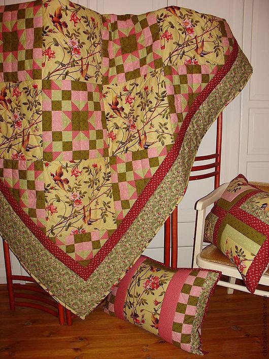 """Текстиль, ковры ручной работы. Ярмарка Мастеров - ручная работа. Купить Лоскутное одеяло """"Теплый день... цветет шиповник"""".. Handmade."""