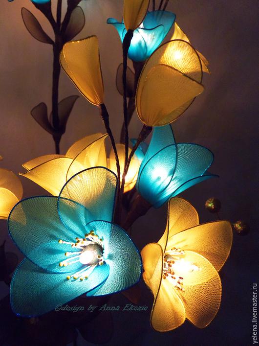 """Освещение ручной работы. Ярмарка Мастеров - ручная работа. Купить Букет-светильник """"Мотылек"""". Handmade. Золотой, светится в темноте, ночной"""