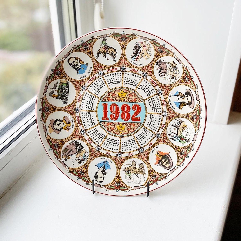 Wedgwood plate calendar 1982, England, Vintage interior, Moscow,  Фото №1