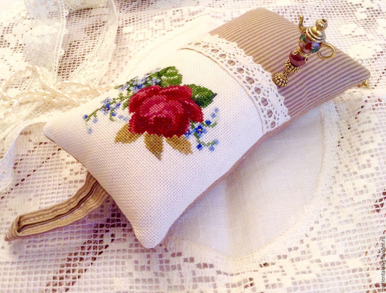 Игольницы с вышивкой своими руками 35
