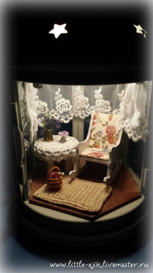 """Кукольный дом ручной работы. Ярмарка Мастеров - ручная работа. Купить """"Старая веранда"""" румбокс в фонарике. Handmade. Белый, Мебель"""