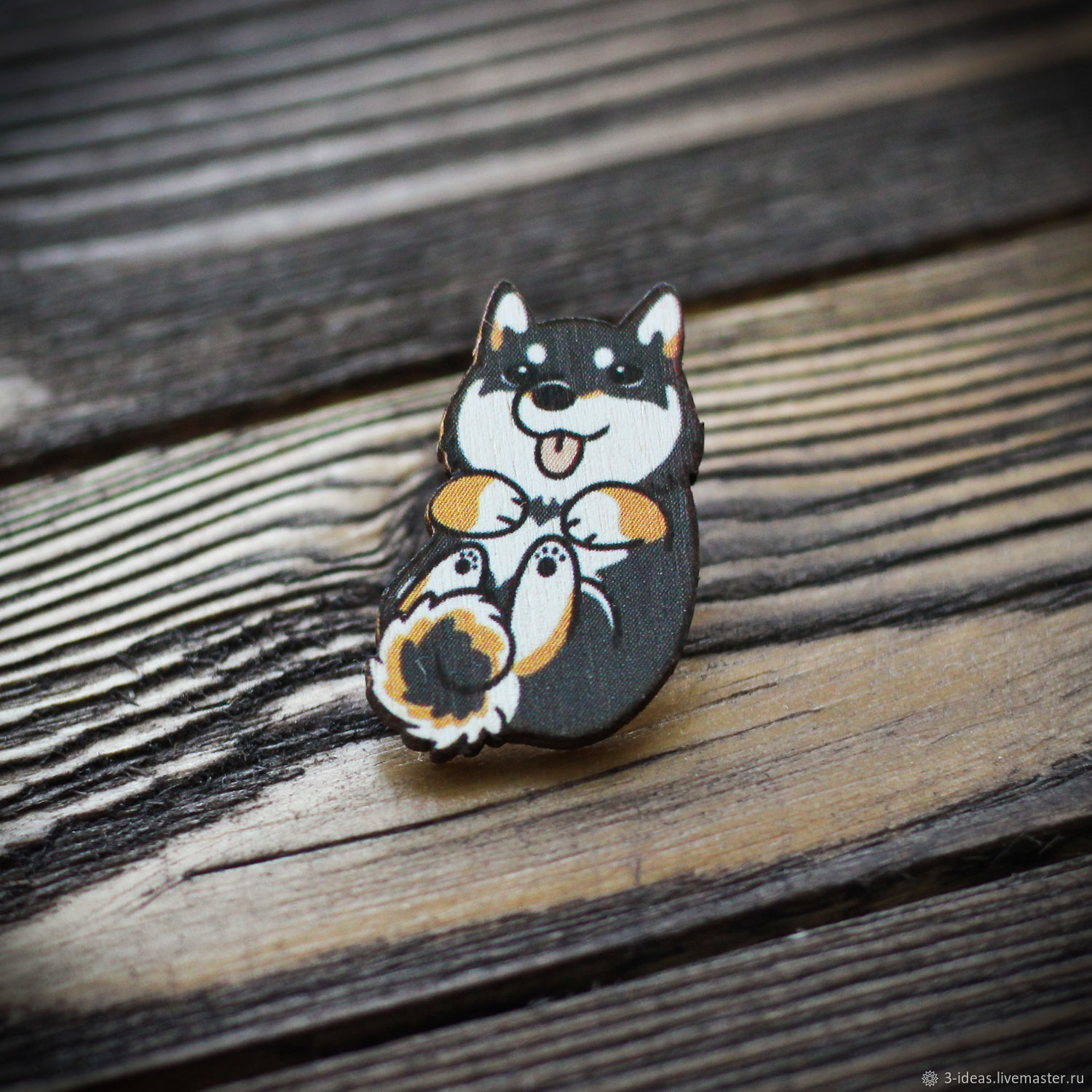 Wooden icon Husky dog is made of 3mm birch plywood. Mounting method - Euroblock. Bright colors and reliable clasp will please any owner. The image is resistant to scratches.