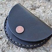 Сумки и аксессуары ручной работы. Ярмарка Мастеров - ручная работа Кожаный чехол для монет. Handmade.