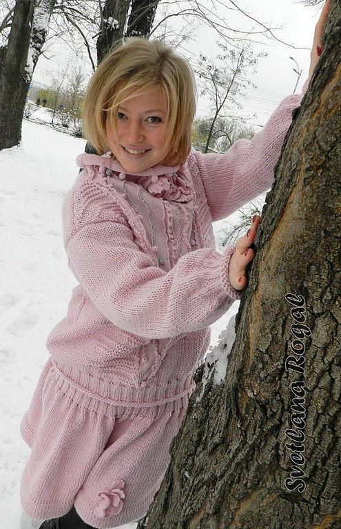 Юбка и свитер доставка