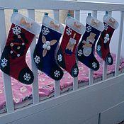 Подарки к праздникам ручной работы. Ярмарка Мастеров - ручная работа Гирлянда из рождественских носков. Handmade.