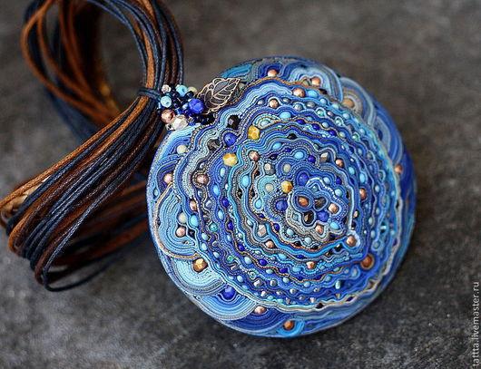 Комплекты украшений ручной работы. Ярмарка Мастеров - ручная работа. Купить кулон из полимерной глины синее кружево. Handmade. Бирюзовый