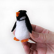 """Куклы и игрушки ручной работы. Ярмарка Мастеров - ручная работа Войлочная фигурка — """"Пингвиненок"""". Handmade."""