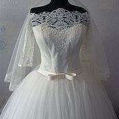 Свадебный салон ручной работы. Ярмарка Мастеров - ручная работа Свадебое платье  с рукавчиком + фата с кружевом. Handmade.