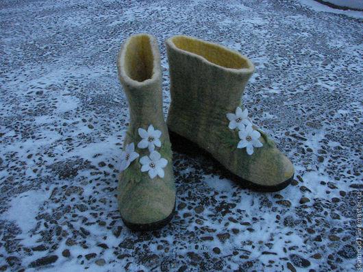 """Обувь ручной работы. Ярмарка Мастеров - ручная работа. Купить Валенки для улицы, зимняя обувь  """"Скоро весна"""". Handmade."""