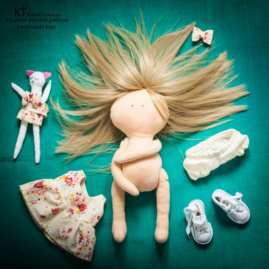 Размеры: Кукла Вероника - 29 см; Игрушка Кошечка - 17 см...   Авторская текстильная кукла ручной работы.