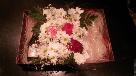Подарки для влюбленных ручной работы. Ярмарка Мастеров - ручная работа. Купить Коробка с цветами и шампанским. Handmade. Комбинированный, подарок, свадьба