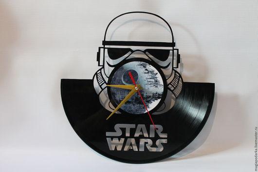 """Часы для дома ручной работы. Ярмарка Мастеров - ручная работа. Купить Часы из виниловой пластинки """"Штурмовик"""" Star Wars. Handmade."""