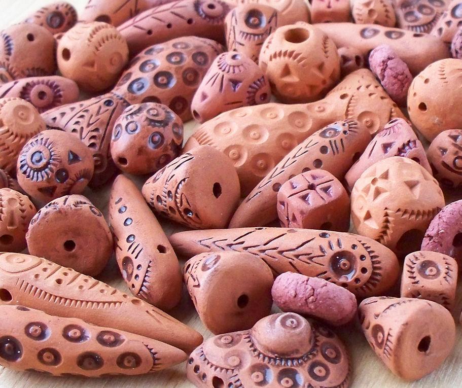 Как сделать из глины бусины