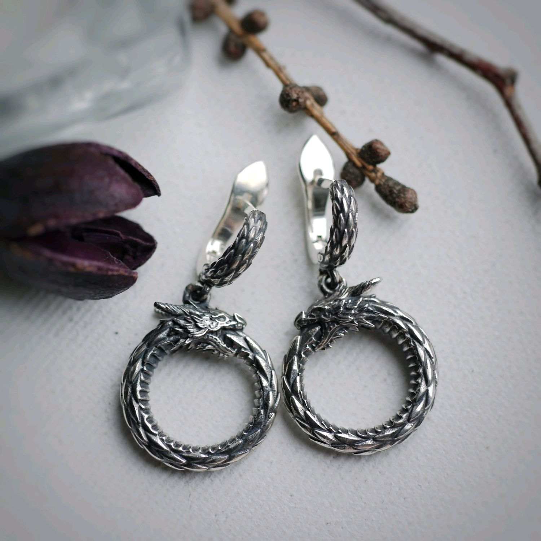7b36098cda8e Серьги Уроборос, серебро 925 с чернением – купить в интернет-магазине на  Ярмарке ...