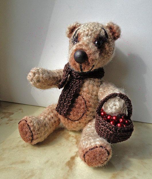 Мишки Тедди ручной работы. Ярмарка Мастеров - ручная работа. Купить Мишка с корзиной ягод. Handmade. Медвежонок, авторский медведь