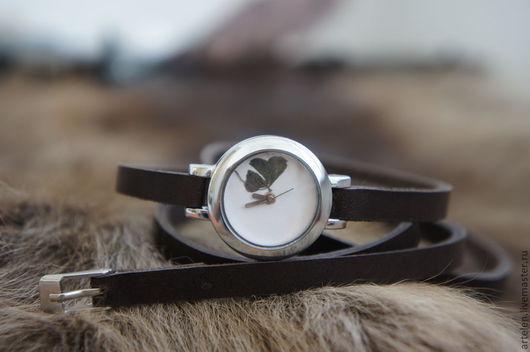 """Часы ручной работы. Ярмарка Мастеров - ручная работа. Купить Часы """"Символ удачи"""". Handmade. Натуральная кожа, клевер, креатив"""
