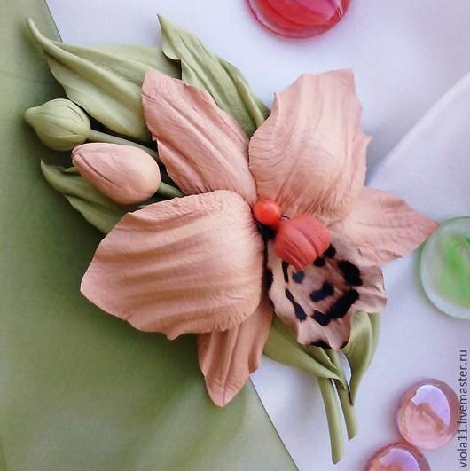 """Броши ручной работы. Ярмарка Мастеров - ручная работа. Купить """"Орхидея"""" Брошь цветок натуральная кожа. Handmade. Брошь, бежевый"""