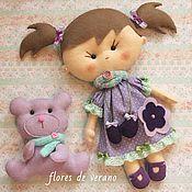 Куклы и игрушки ручной работы. Ярмарка Мастеров - ручная работа Кукла из фетра Маша в сиреневом с мишкой. Handmade.