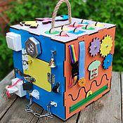 Бизиборды ручной работы. Ярмарка Мастеров - ручная работа Бизикубик с дверцами и подсветкой. Handmade.