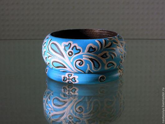 """Браслеты ручной работы. Ярмарка Мастеров - ручная работа. Купить Комплект браслетов """"Узоры на голубом"""". Handmade. Голубой, украшения из дерева"""