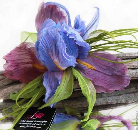 Броши ручной работы. Ярмарка Мастеров - ручная работа. Купить Цветы из ткани. Брошь цветок Ирис «Волшебный». Handmade. Комбинированный